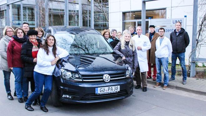 Übergabe neuer VW Caddy